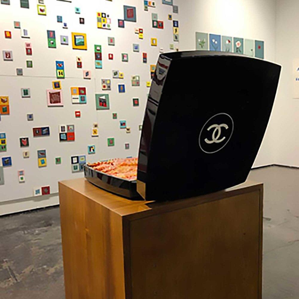 """Chanel Lasagna, 2018, Uréthane, peinture à l'huile et Contenant de maquillage. 15 x 15x 3"""""""