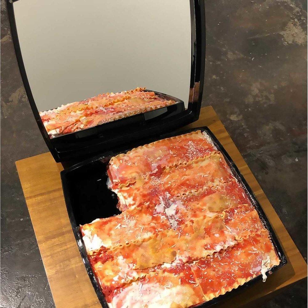 """Chanel Lasagna, 2018, Uréthane, peinture à l'huile et Contenant de maquillage. 15 x 15x 3"""" (Détail)."""
