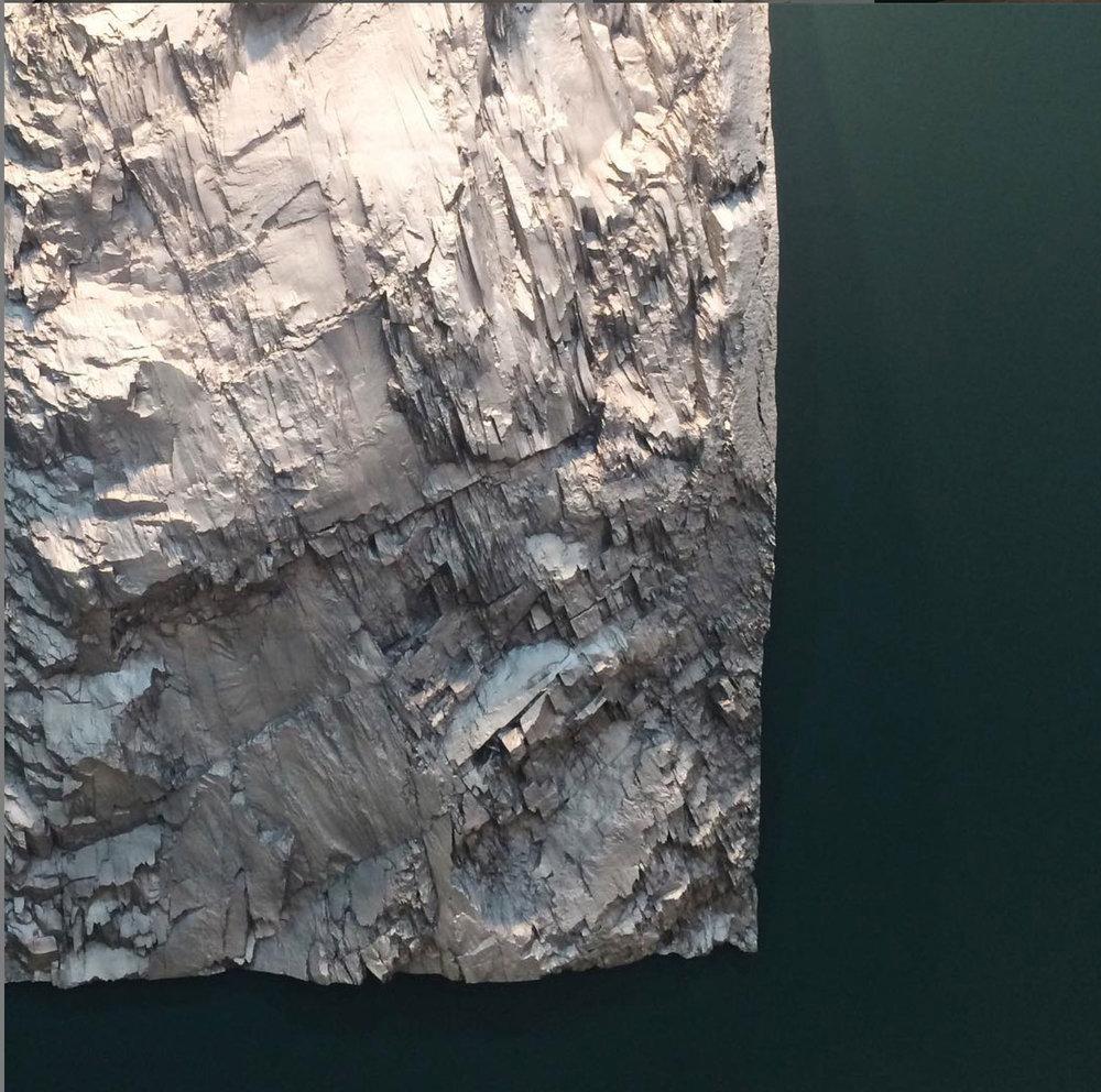 """Vue d'installation Patrick Coutu,  Eaux profondes,  2018, pigment on aluminium, 65 1/2"""" x 45""""."""