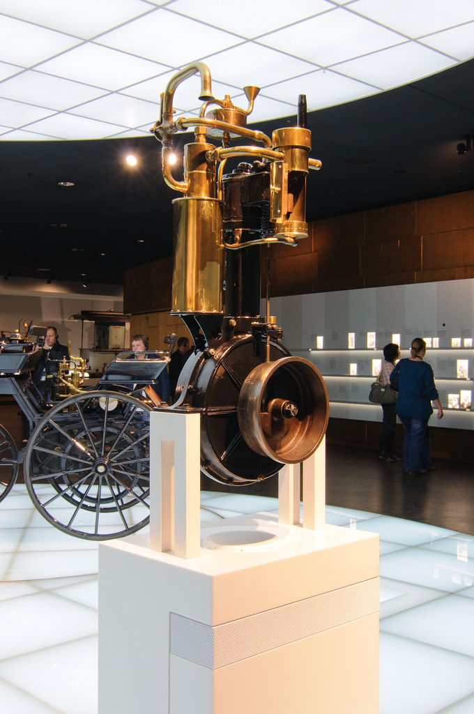 The beginnings - Daimler's Grandfather Clock was the world's first small high-speed internal combustion engine to run on gasoline.
