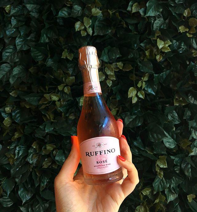 Sunday Scaries? No way, rosé! $5 rosé splits all day, every Sunday! . . . . #sundayfunday #roseallday #austinfoodstagram #austinfoodmagazine #keepaustindrinkin #happyhour