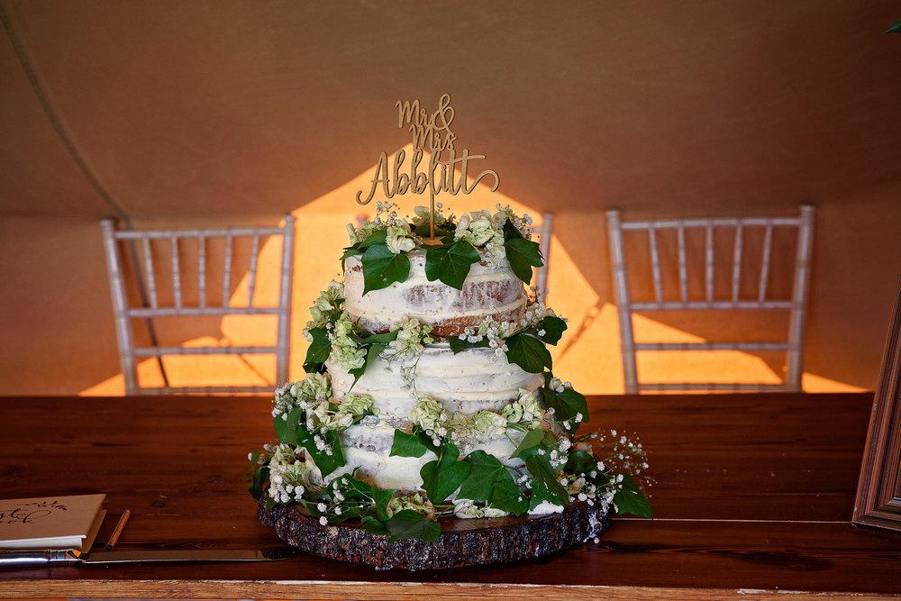 Liz Greenhalgh Tipi Wedding-29.jpg