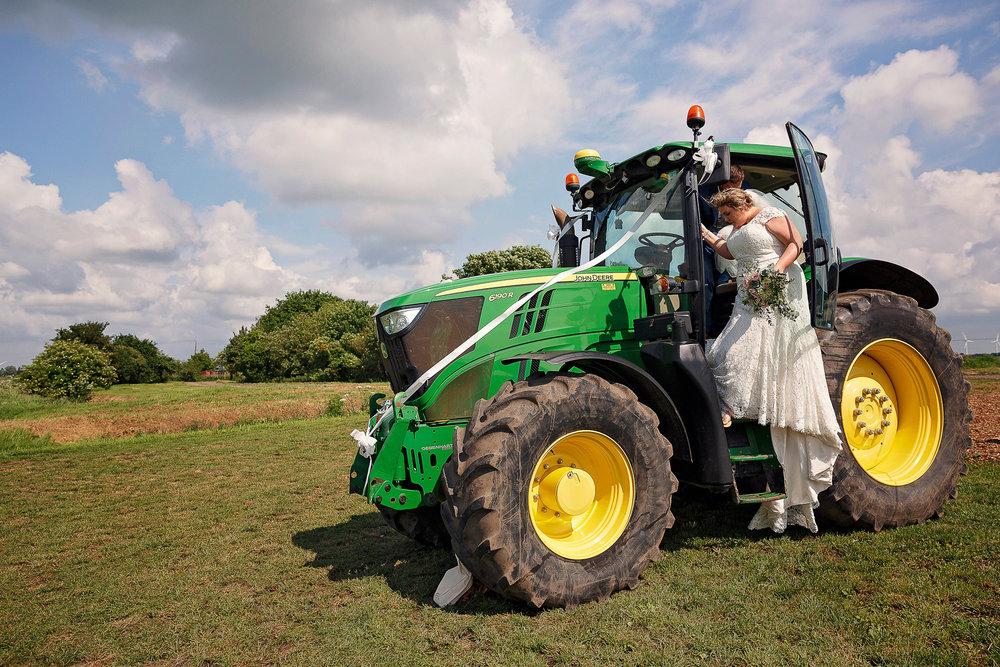 Liz Greenhalgh Tipi Wedding-31.jpg