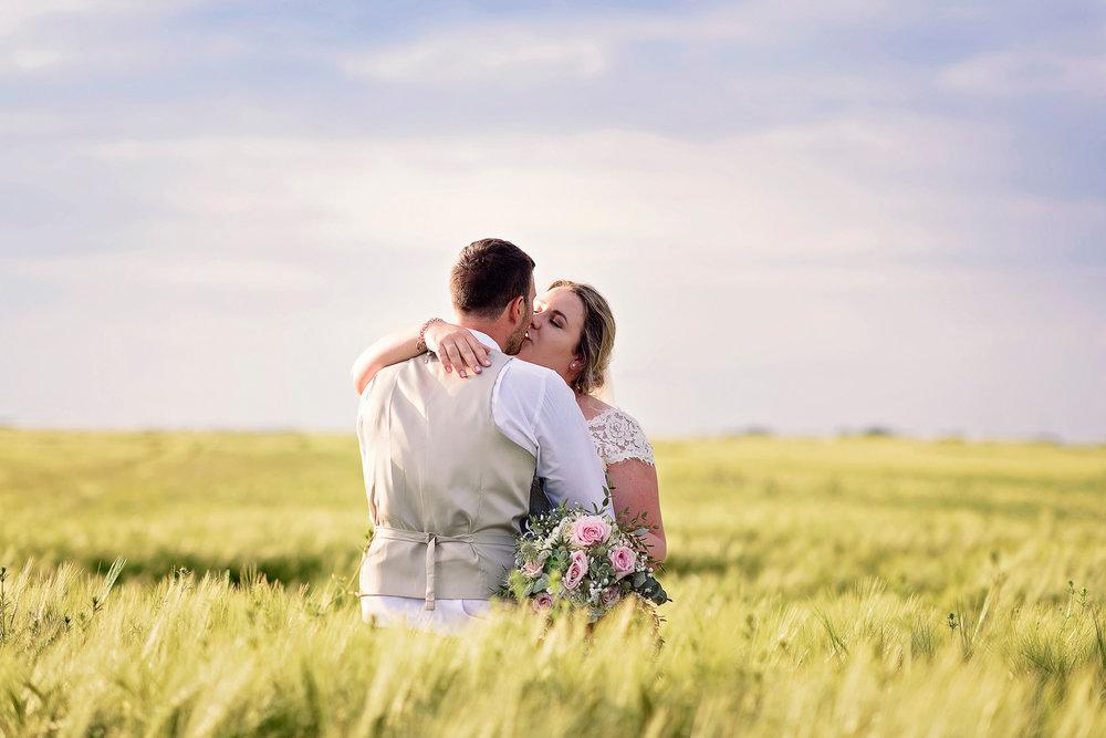 Liz Greenhalgh Tipi Wedding-39.jpg