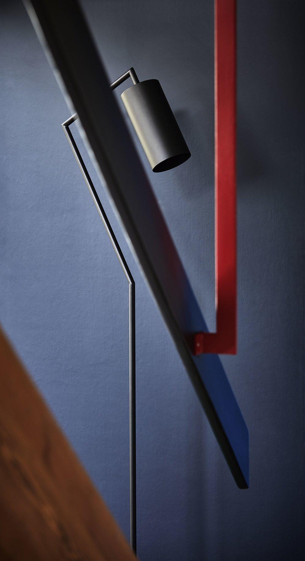 Droid-floorlamp-rewired.jpg