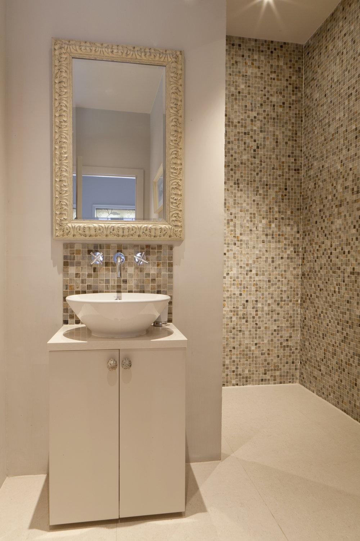 showerrm Kensington.jpg