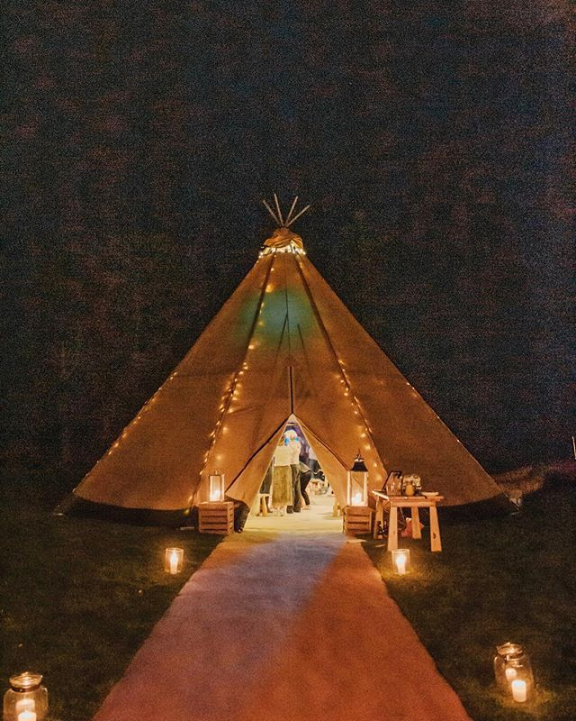 I had a wonderful time photographing and filming at @shopbodega.co.uk 's event last night. A huge tipi, bubbles and a silent disco - what's not to love! 🥂🎧 #tipi #silentdisco #eventphotography #cheltenham #cheltenhamphotographer