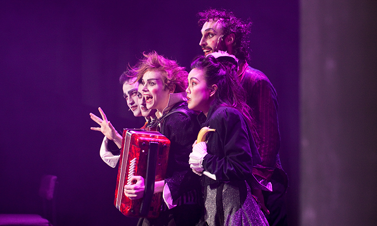 Stage show 1 750x450.png