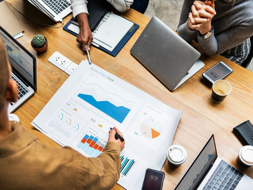- Wouldn't it be better to have a straightforward plan in place, rather than a bloated plan that confuses and overwhelms your team- or no plan at all? Of course it would! Here are eight steps to get your team to the strategy table.