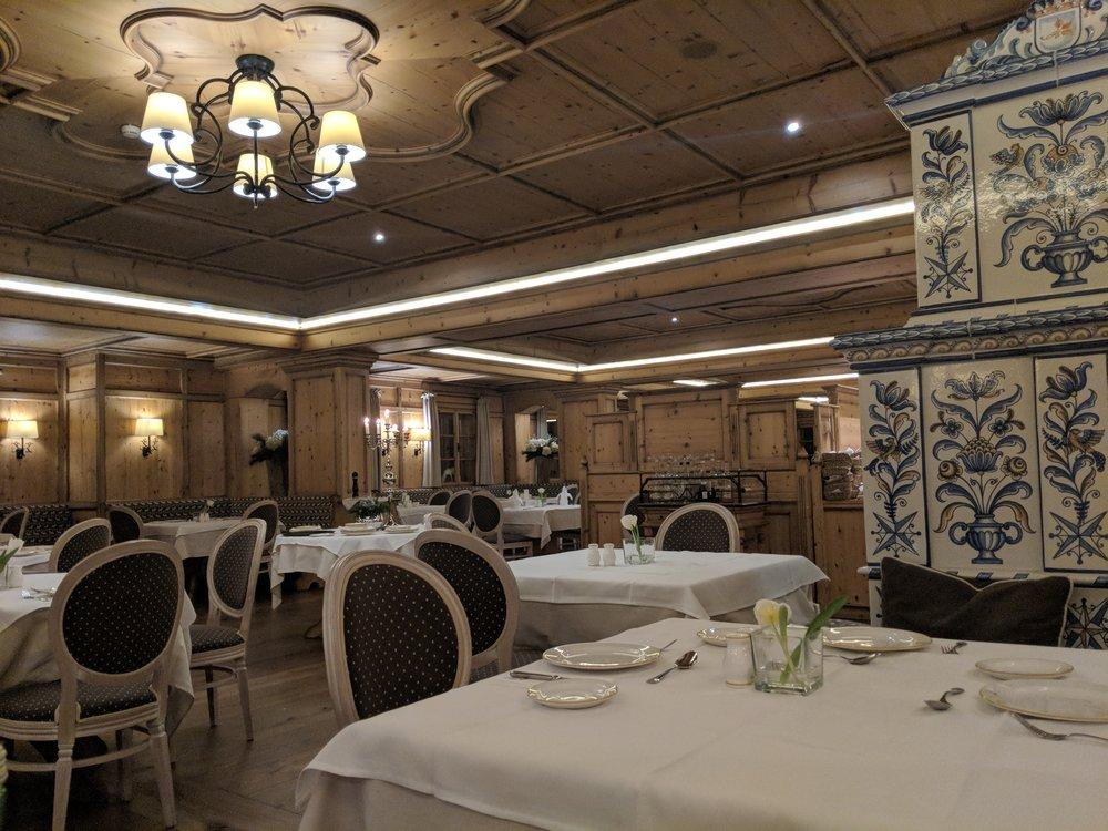 grossarler_restaurant.jpg