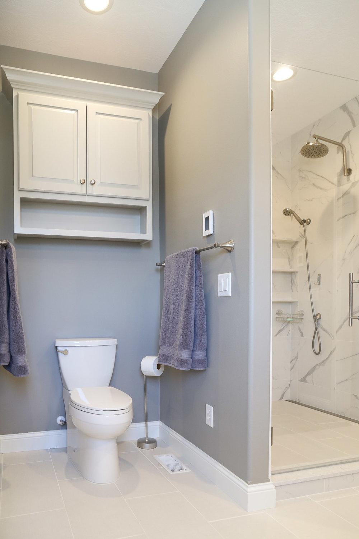 Bathroom-17.JPG