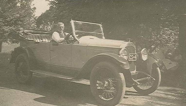 William Henry Clarke, sitting in his second Willys-Knight 6 cylinder sleeve valve engine car, 4th registered in Gosnells