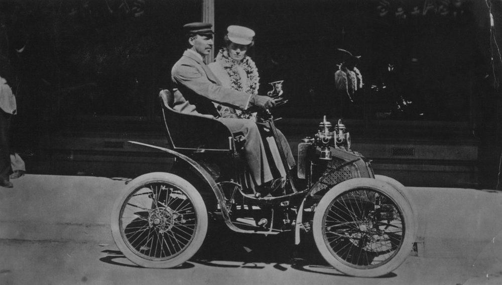 Gladiator, the first 4-wheeled motorcar in WA