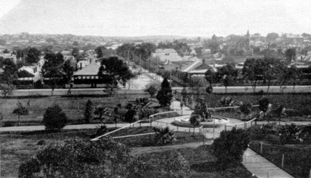 Russell Square, Perth, c1914. Courtesy State Library of Western Australia, image 004046d