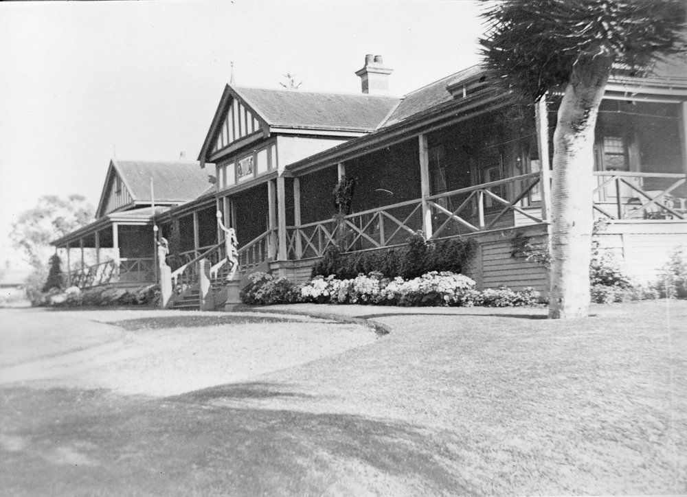 Grounds of The Cliffe, early 1900s, courtesy Presbyterian Ladies' College Archives.