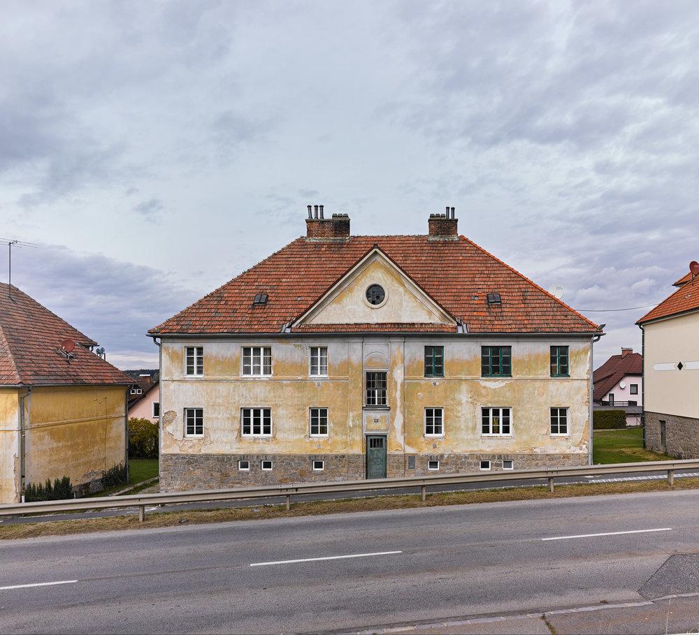 Arbeiterwohnhäuser Heidenreichstein 02.jpg