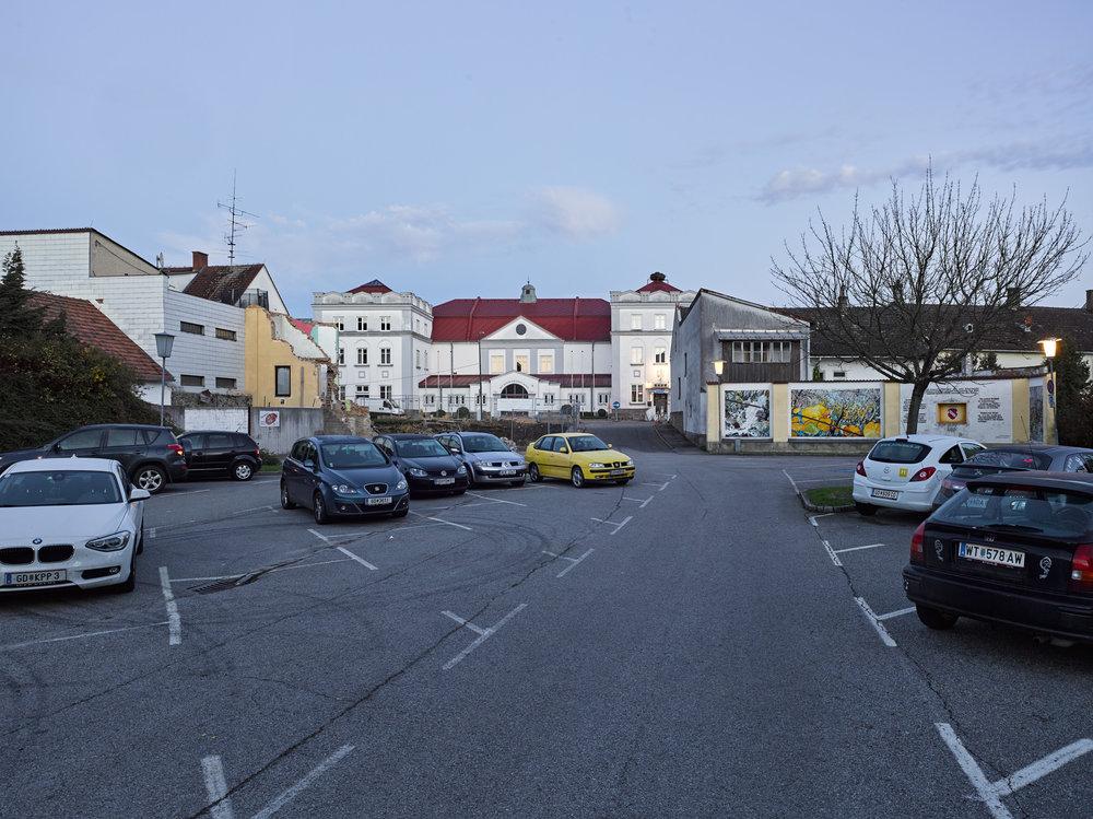 Parkplatz Josef-Widy-Straße Schrems 02.jpg
