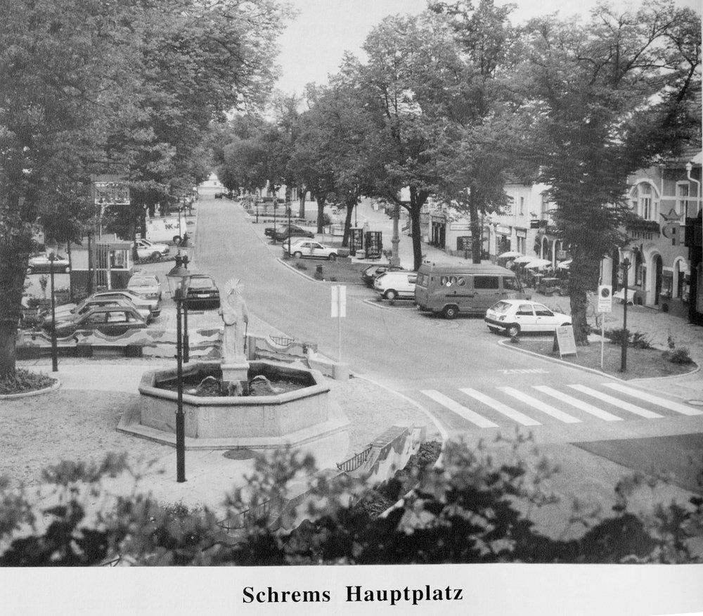 Schrems Hauptplatz 1998.jpg