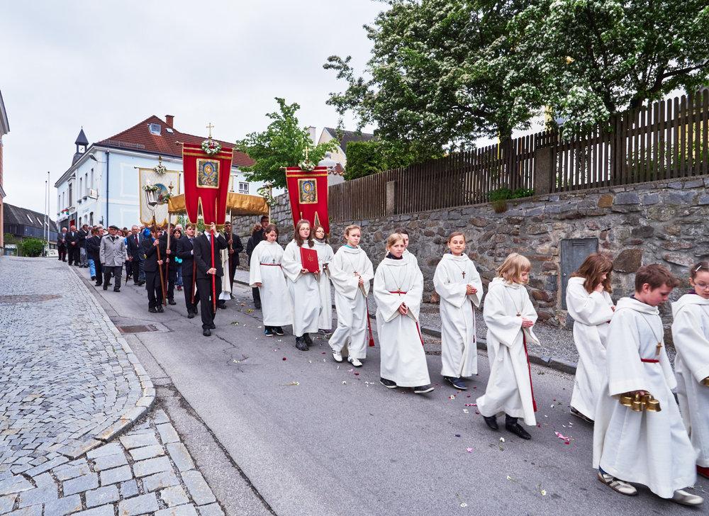 Stadtkapelle und Fronleichnamsprozession Schrems 06.jpg