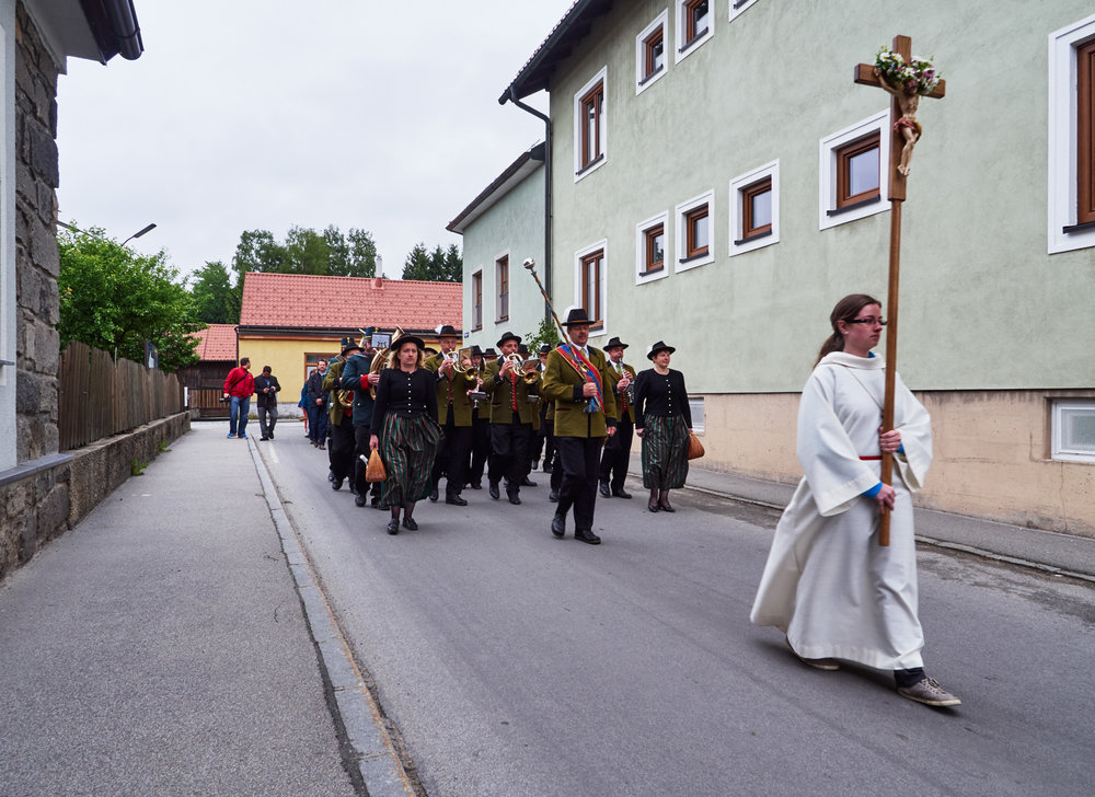 Stadtkapelle und Fronleichnamsprozession Schrems 07.jpg