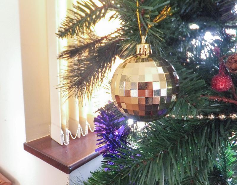 Christmasbaubble-jmpblog.jpg