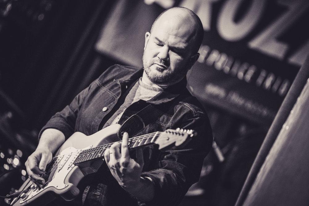 Phil  (Guitars)