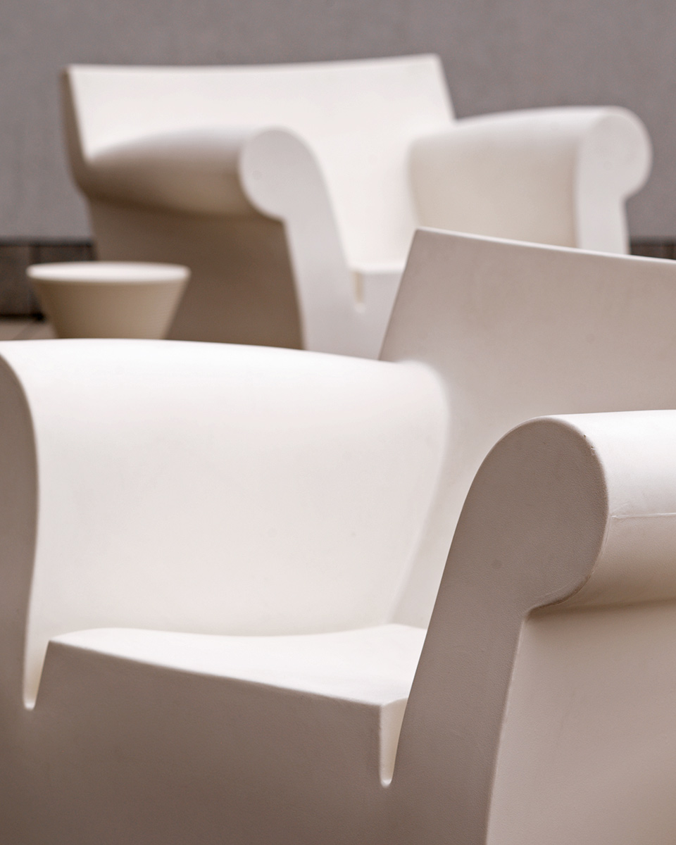 white_chairs.jpg