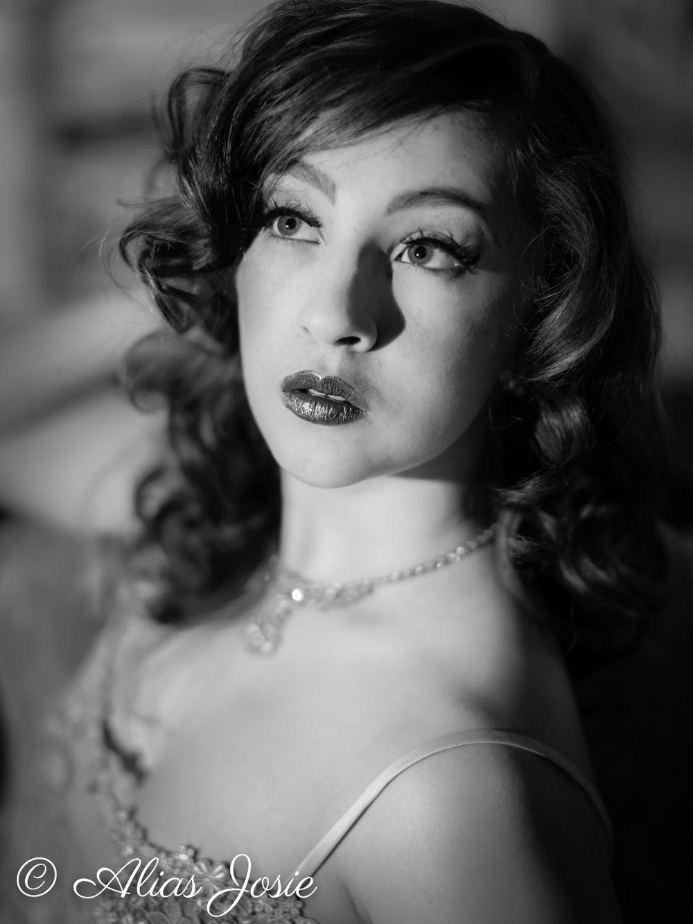 Lara Hollywood-2036.jpg