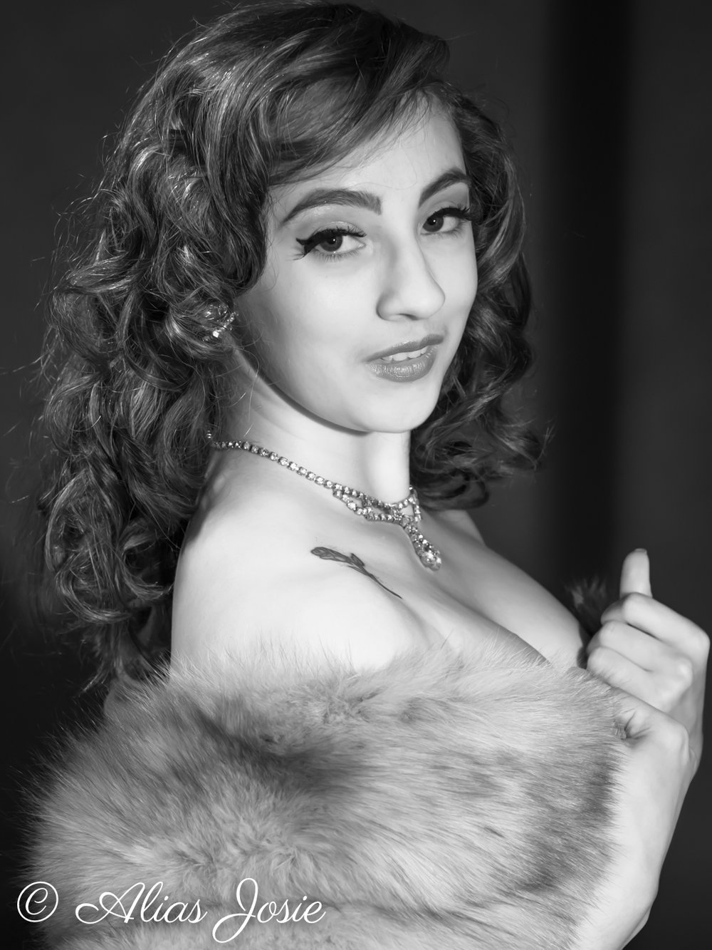 Lara Hollywood-2128.jpg