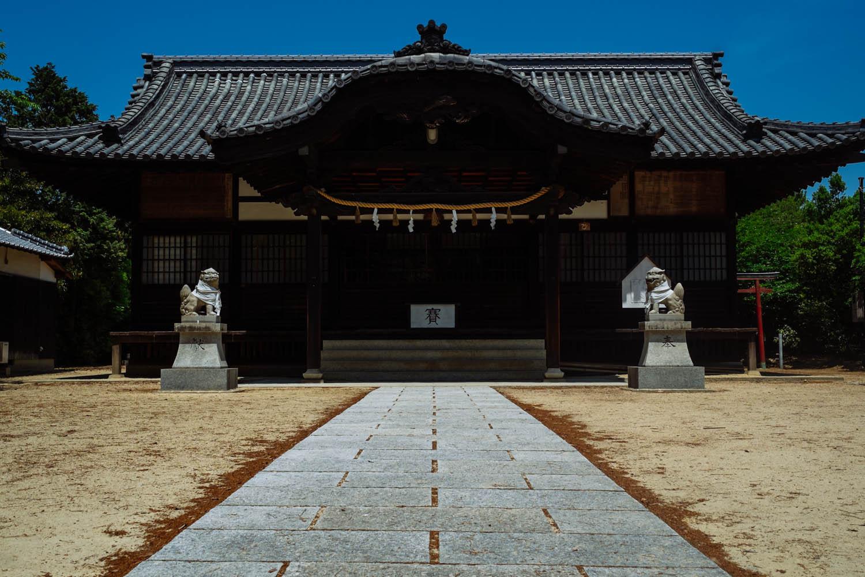 Temple next to Go'o shrine, Naoshima.