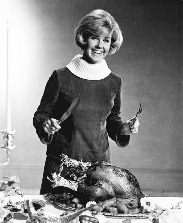 #HappyThanksgiving 🦃🦃🦃 . . . #DorisDay, circa 1965-1967. Outfit by #RayAghayan for the movie 'Do Not Disturb' (1965). Similar image from the same shoot later appeared on a German magazine, Bunte, in 1967.