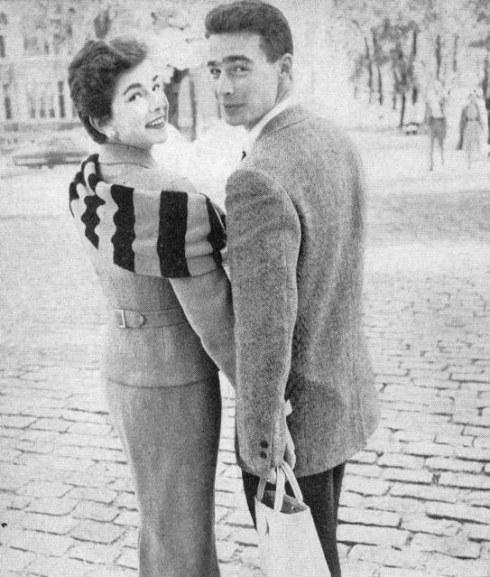 COLLEGE_SCARF_Vogue-1954_TUITE.jpg