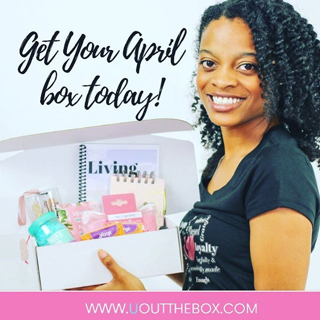 My Vanna White moment! 🤣🤣 But honestly I created this #selflovekit because I needed one! I needed to make myself a priority and start deepening my relationship with self. I'm turning 30 in May and I'm taking inventory and evaluating everything and everyone in my life ! 🔹Friendships 👭 🔹Career Choices 💻 🔹Routines & Habits 🔹Updating my Brand and How I'm Representing Myself to the 🌎 🔹Modifying my Bucket List📋 🔹Am I Living Out the Box?  The monthly #selfdiscovery challenges and journaling have been pushing me to dig deeper and start truly living for me! Questions? DM me anytime !😊 • • • • • #happymail #personalgrowth #treatyoself #iamenough  #defineyourself #beyourself #monthlybox #subbox #selflove #mentalhealth #spiritualgrowth  #bedifferent #loveyourself #selflovekit #wellness #mentalhealth #ladybosses #mompreneur #lifestylebloggers #womenempowerment #blackgirlmagic #momblogger #selfcare #smallbiz #tampa  #bekindtoyourself #pursueyourpassion #girlpower #believer #endhumantrafficking