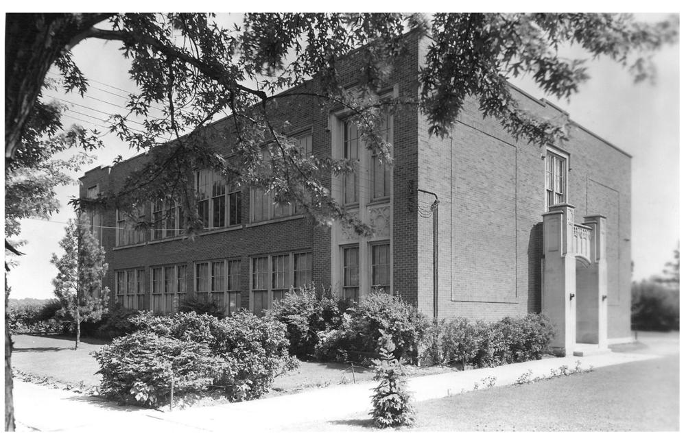 Hillcrest Elementary School, Kalamazoo, 1940, probably photographed by Mamie L. Austin.  Source:  Kalamazoo Public Library Photo P-1017