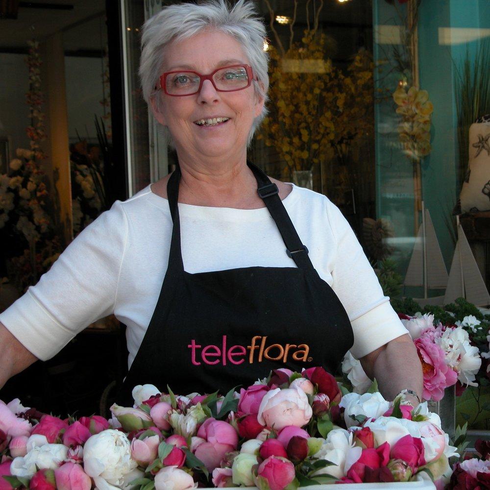 Janine Laforest, L'Orchidée Fleuriste, rue Cartier à Québec. Une amoureuse des petits bouquets du producteur!