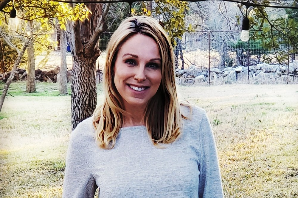 Lori Alford - Hometown: Liberal, KSEducation: Seward County Community College, Liberal, KSExperience/Strength: Incorporating fresh + forward thinking design into a functional cozy family home her clients will fall in love with.Hobbies: Lori caught the travel bug and especially enjoys food and exploring different cultures. She is always on the lookout for interesting stories of the places she visits.Fun Fact: Self-proclaimed