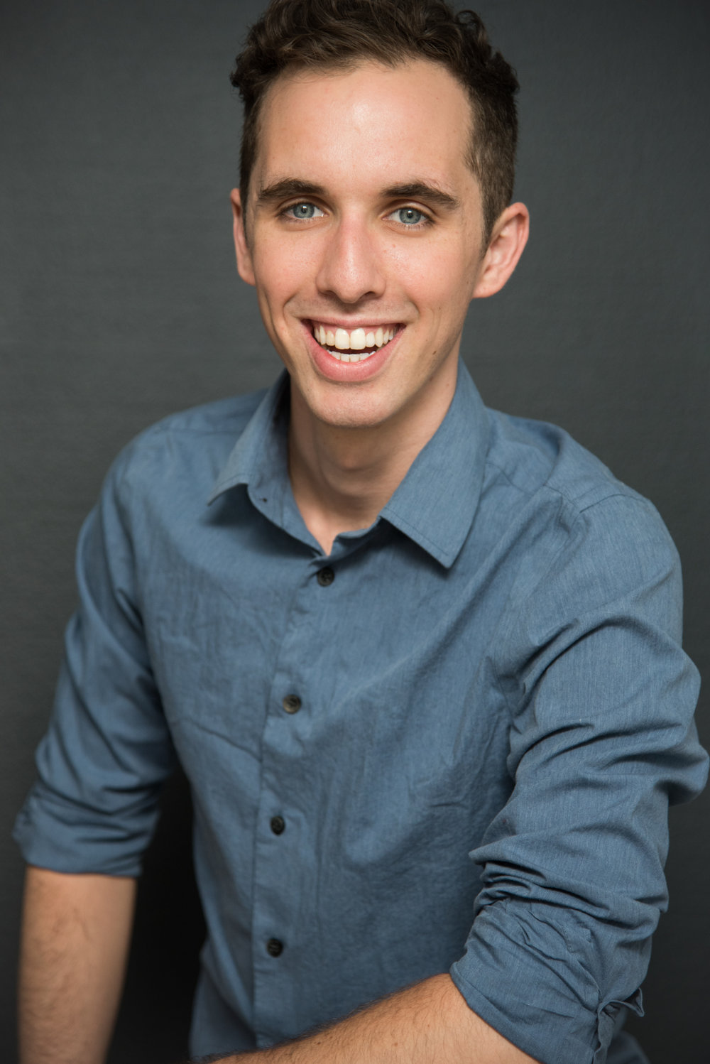 Ethan Santo(Teasil) - is an actor, writer, comedian and pun aficionado based in Austin, TX. He is a two-time cat dad and one hell of a dance partner. Instagram: @ethancainsanto