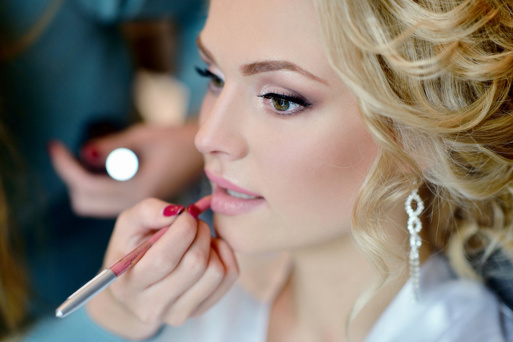Bridal Trial - We recommend scheduling this appointment on the night of your bachelorette, bridal shower, or an event for photography purposes. Includes Lashes60mins / $75