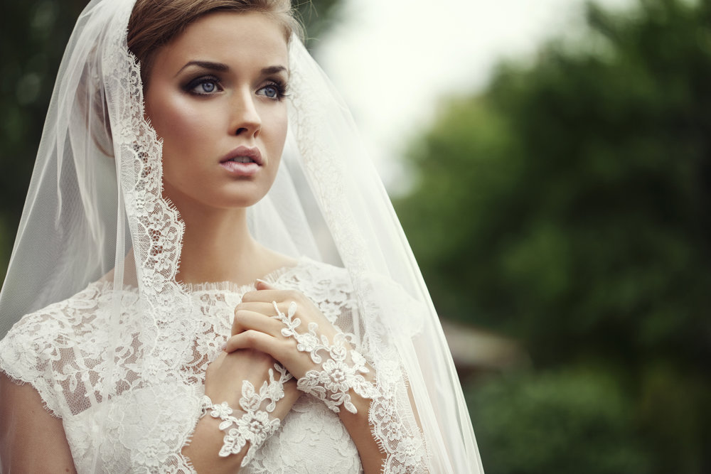 Travel Bridal Services - We come to you. please inquire for mileage quote. $500 minimumBride 60mins/ $120Bridesmaid/MOB/MOG 30-45mins $90Junior maid 13-16yrs $65Mini glam under 13yrs $40