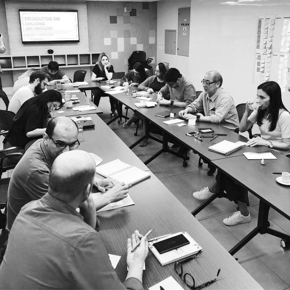 PASSAPORTE - Esse passaporte permite uma verdadeira imersão em cultura analítica.Os participantes com esse acesso poderão participar de qualquer atividade do evento: terão cadeiras prioritárias na conferência, poderão escolher qualquer curso, e ainda podem optar por participar de um almoço executivo da semana, além de ter prioridade na participação em qualquer atividade da programação.