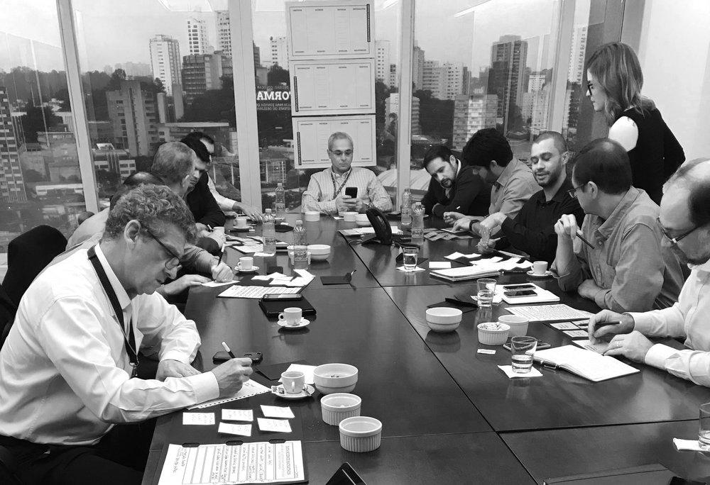 ALMOÇO SOBRE DADOS - Almoços executivos para debater e explorar as possibilidades analíticas em setores específicos de negócio (Marketing/vendas, TI, C-level, RH, Criativos).R$ 180,00