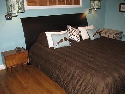 Master bedroom has a new Mid Mod face..JPG