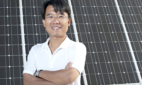 Professor Chih-Hung Chang, Oregon State University, inventor of the MoreSun® AR technology.