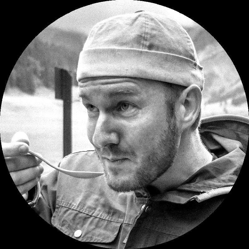 Jens Kilian - Alleskönner & BegeisterungstierWer Jens mal getroffen hat, kann sich an ihn erinnern. Er polarisiert, denkt mit, und macht macht macht die Dinge mit voller Leidenschaft. Zweiter zu sein war noch nie eine Option. Scheitern ist mit ihm unmöglich. Jens-Boost gefällig?