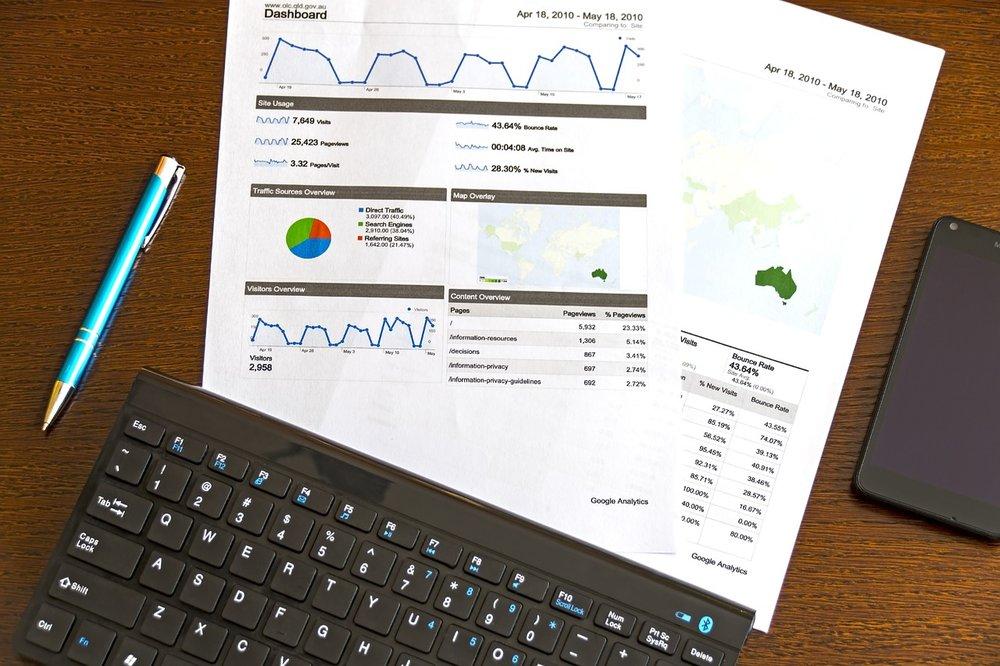 modern-analyst-1316900_1280.jpg