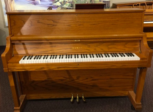 Studio Upright Piano.png
