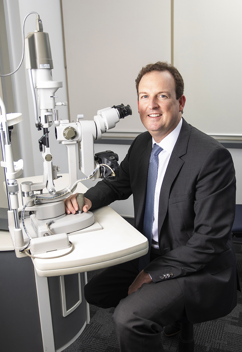 Dr Brendan Cronin Ophthalmologist Queensland Eye Institute Brisbane Laser.