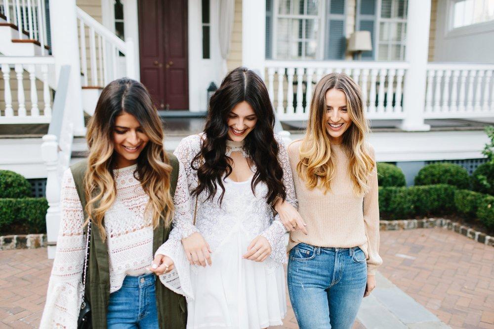 Bloggers Pam Hetlinger, Julia Friedman, and Jess Kirby in Charleston, South Carolina