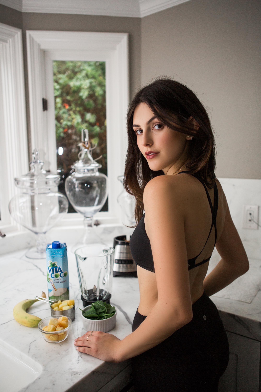 Julia Friedman's organic, tropical green smoothie recipe.