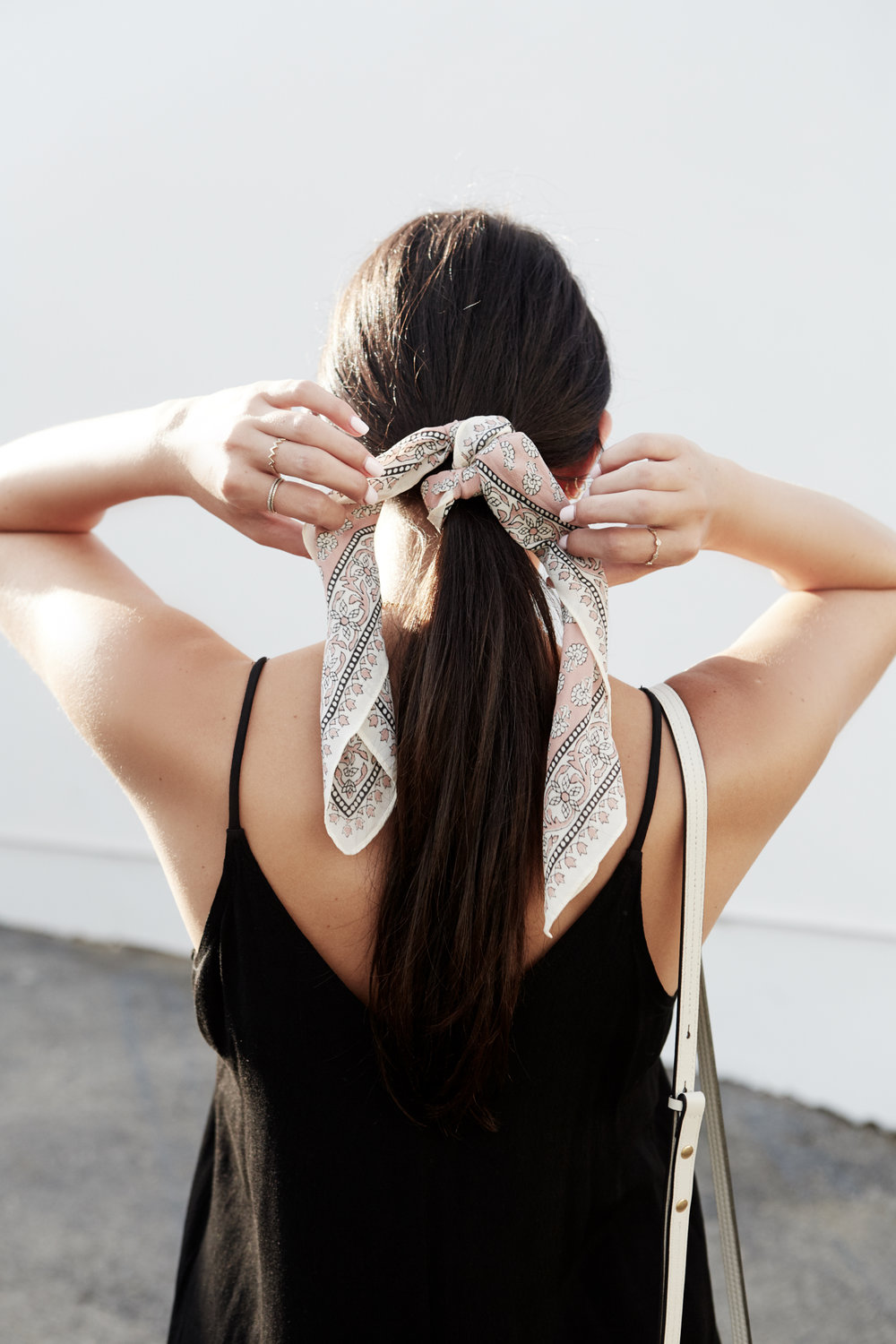 3 Ways to Tie Your Hair with a Bandana